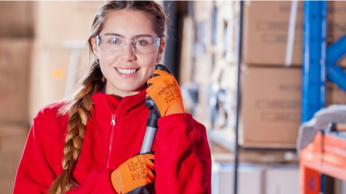Comprendre les symboles de danger sur les étiquettes des produits chimiques ménagers